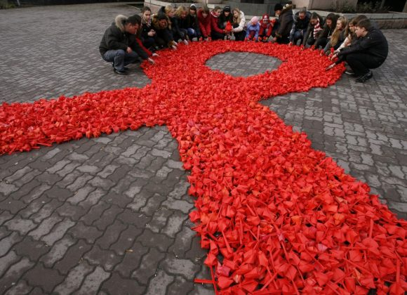 Podniesienie kompetencji osób podejmujących działania w zakresie przeciwdziałania  HIV/AIDS